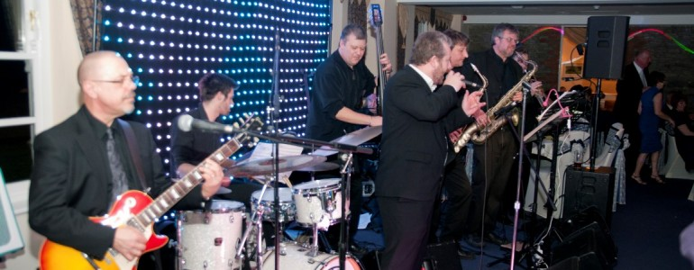 Weddings/Functions & Your DJ Working with a Live Band